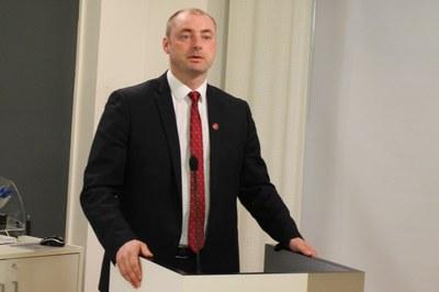 Robert Eriksson presenterer Vågengrapporten