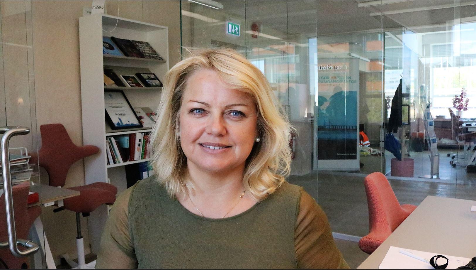 Magdalena Nour: Vill rasera barriärerna till den internationella kompetensen