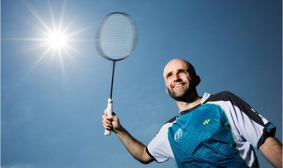 Erik Rundle med badmintonracket