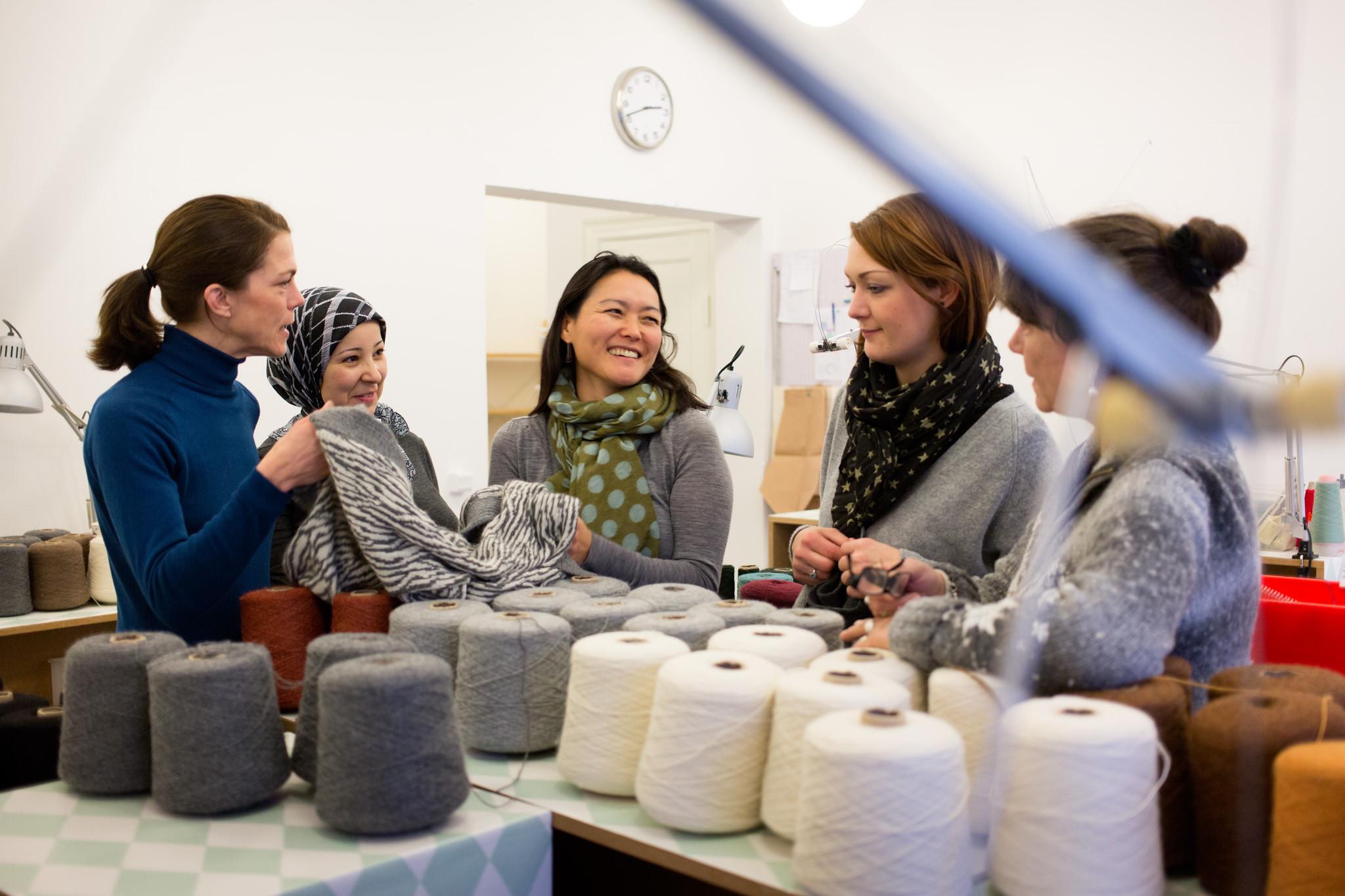 Fra udsat kvinde til strikkepige