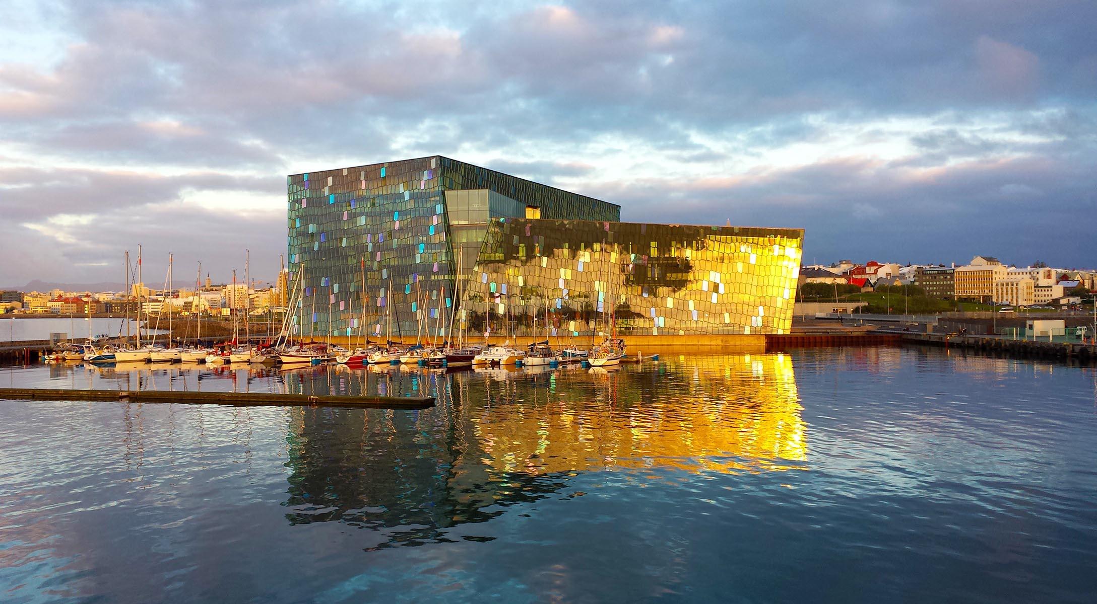 Harpa i Reykjavik: Återuppbyggnadens symbol i Island