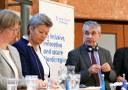 OECD: Mer flexibilitet behövs för att kvinnliga flyktingar ska få jobb