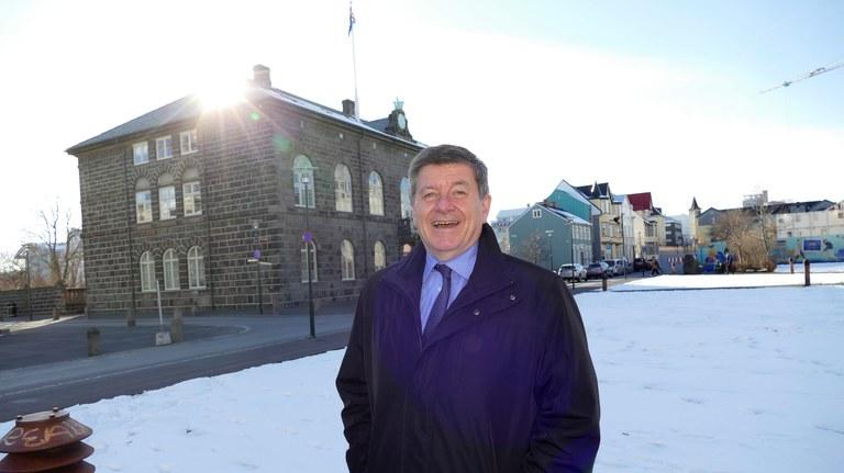 ILO:s Guy Ryder hittar inspiration på det problemlösande Island