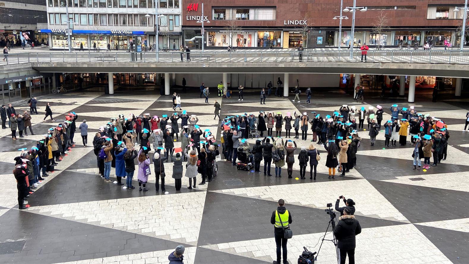 Tre minuters mindre gratisarbete för svenska kvinnor