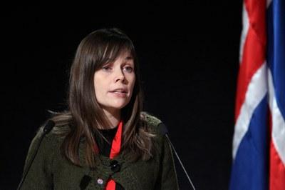 Katrín Jakobsdóttir tros bli isländsk statsminister